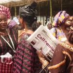 african-women-confer